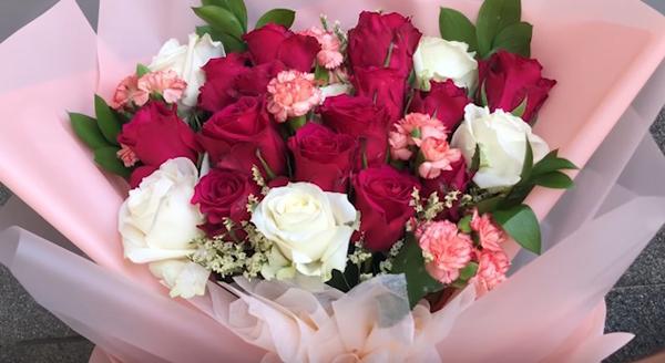 Какво символизират любимите ви цветя