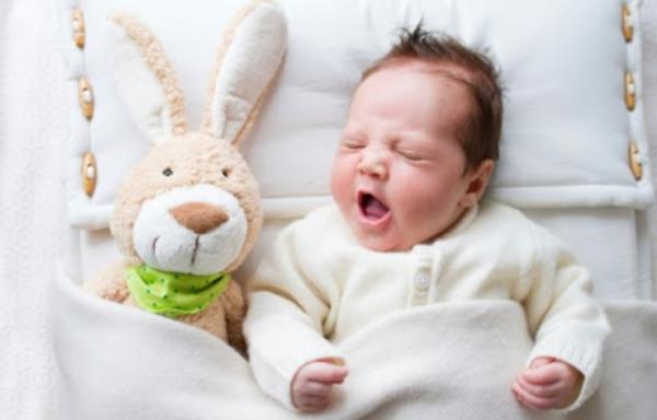 Какъв тип да са първите играчки за нашето бебе