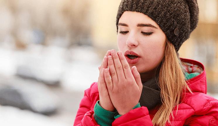 Как да се справим със студените ръце