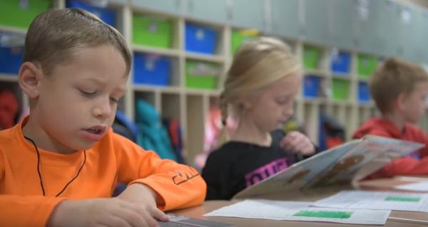 Как да научите децата да обичат да четат