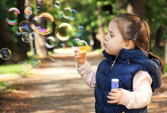 Проучване: Спомените на детето започват след втората година
