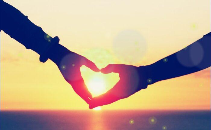 Любовта поражда любов: Кейт Маклауд за грижата за духа, тялото и ключът към силните връзки