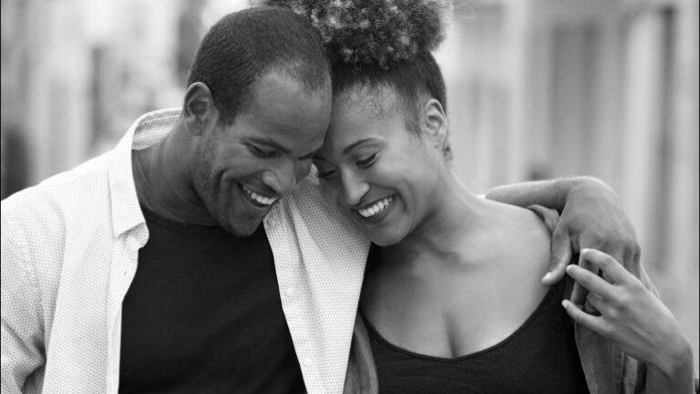 Мъжете споделят: 8 малки неща, които жените правят, а мъжете (тайно) обожават