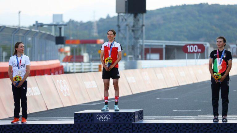 Чаровна докторка по математика спечели злато на олимпийските игри в Токио