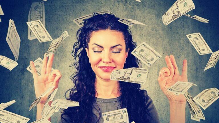 """""""Парите са зло"""": 5 вярвания, които ви пречат да печелите повече"""