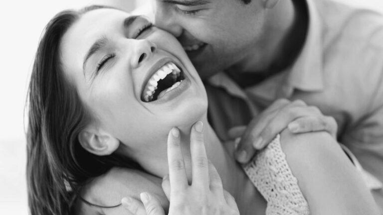 Мъжете полудяват по жени, които правят тези 5 малки неща