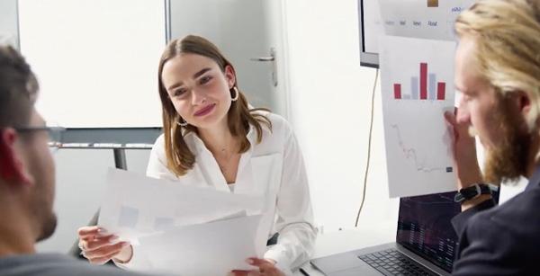 Дрехи, които никога не трябва да обличате на работа